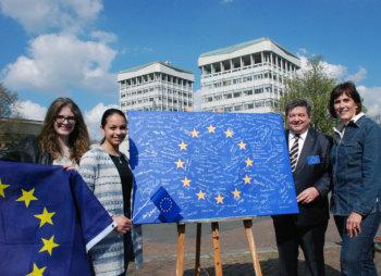 Marl zeigt wieder Flagge für Europa