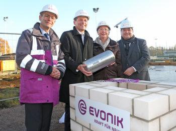 Evonik legt Grundstein für neue Kita