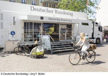 Infomobil des Bundestages in Marl