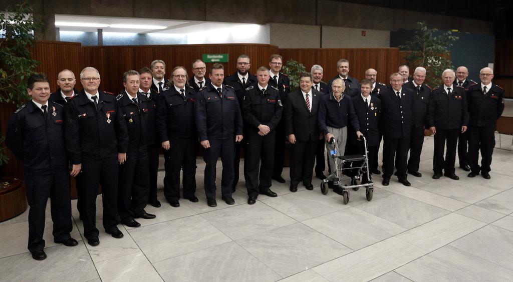 Stadt Marl ehrt verdiente Feuerwehrleute