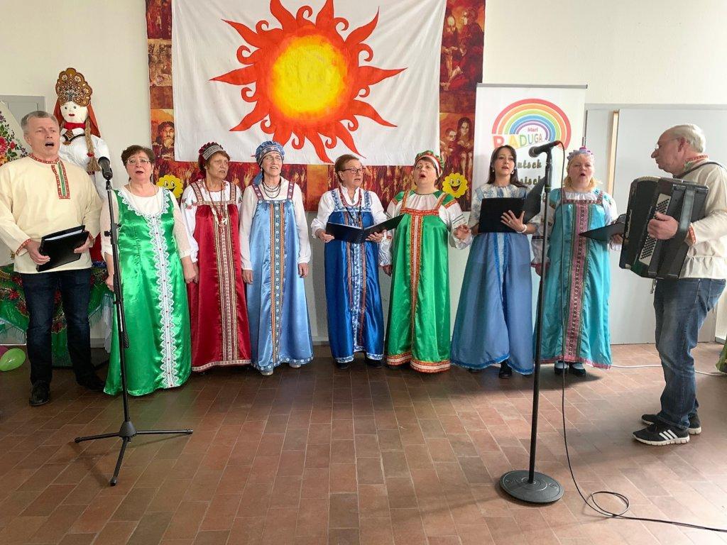 Fastnacht auf Russische Art beim Masleniza-Fest