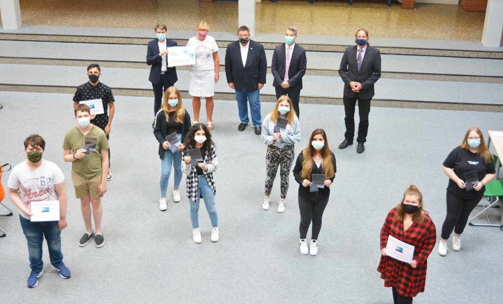 HÜLS AG-Stiftung fördert digitales Lernen